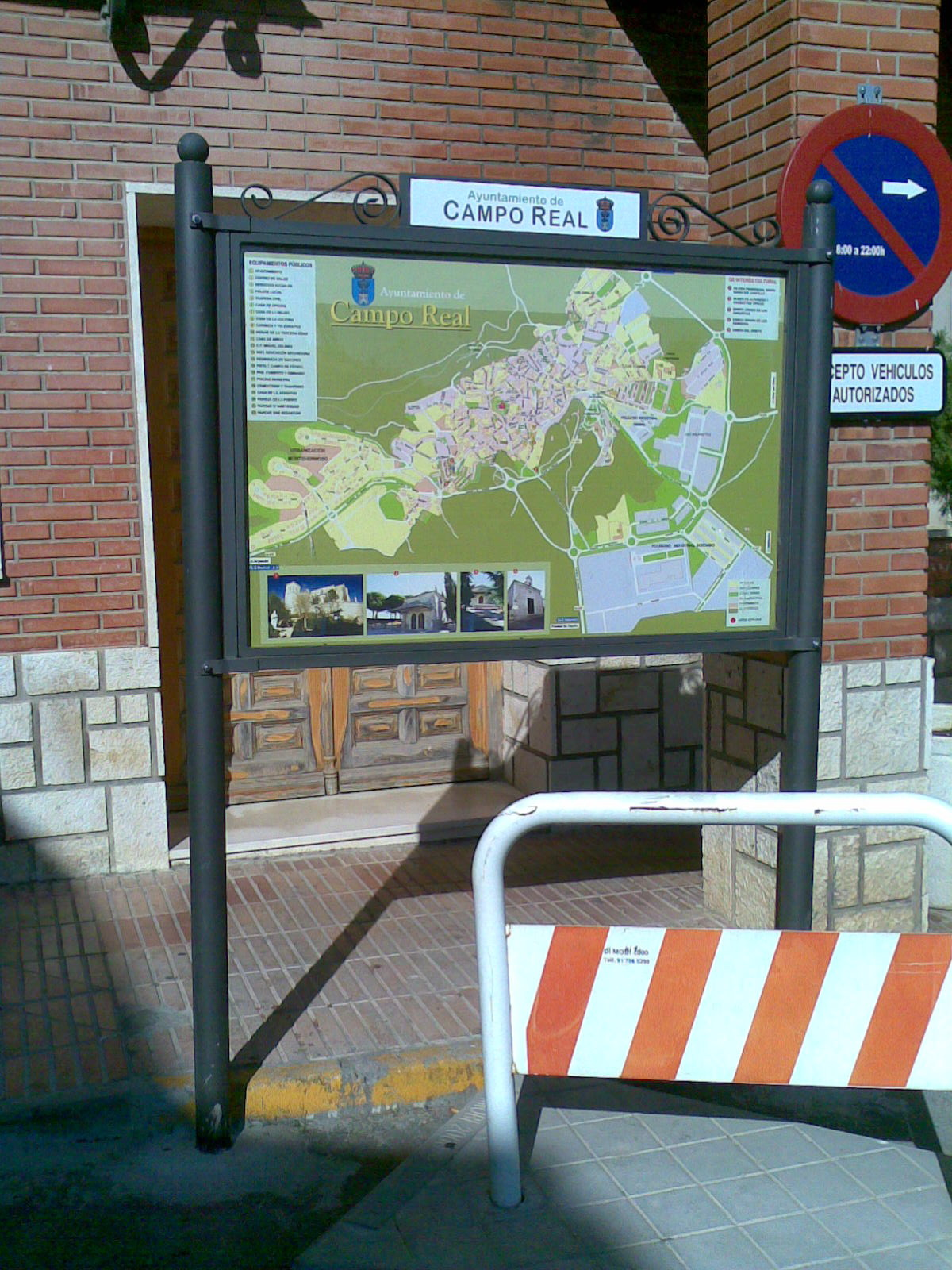 Cartel informativo de Campo Real (Madrid)