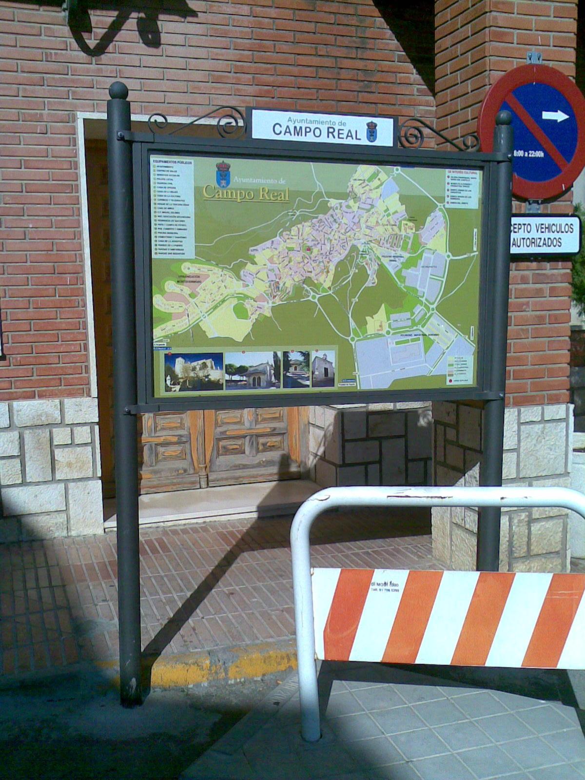 Cartel informativo de Campo Real (Madrid)